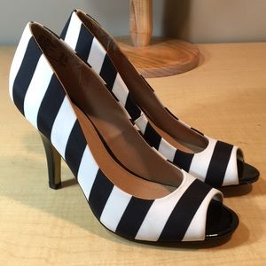 New FIONI striped peeptoe heels shoes 8.5